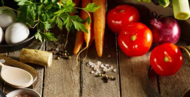 Quais os benefícios de uma boa alimentação para a saúde dos dentes?