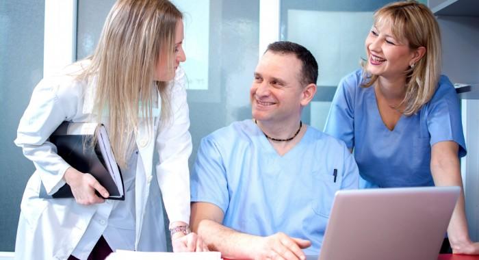 Programa para clínica odontológica: 5 benefícios oferecidos por ele