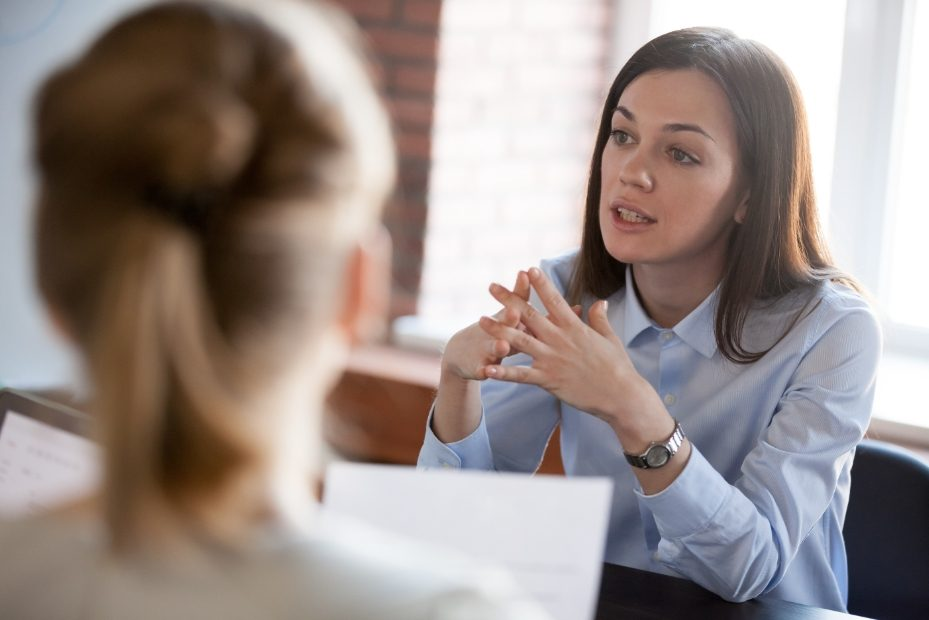 Personal coaching em odontologia conversando com a sua cliente