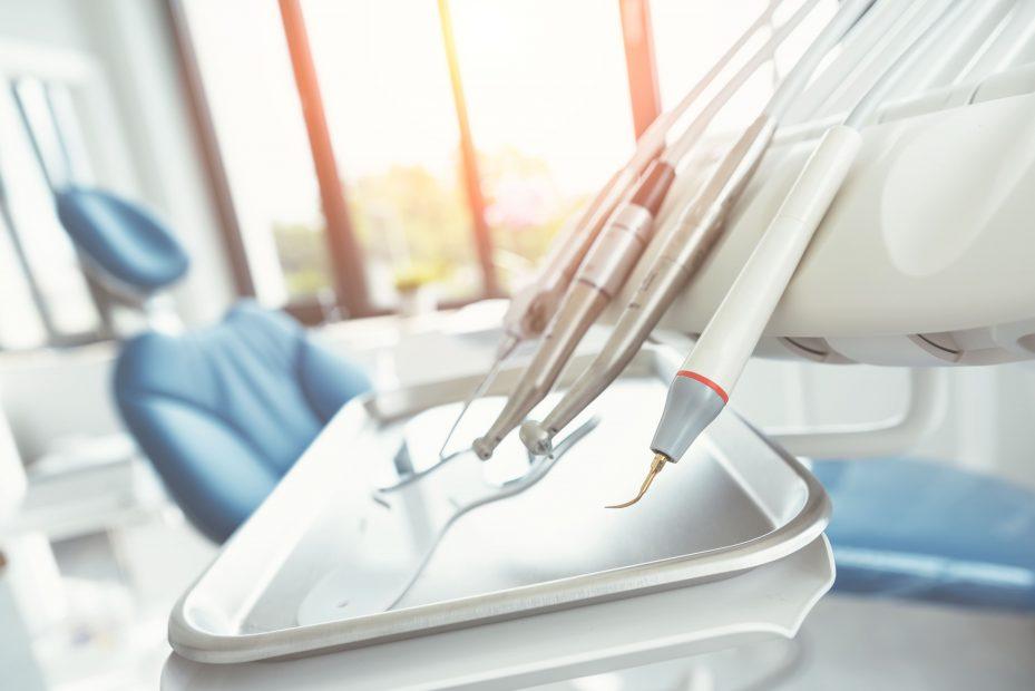 foto de instrumentos odontológicos